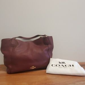 Like new condition!! Coach cross body or hand bag